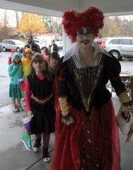 Local-kids-trick-or-treating-at-Summerhill-Halloween-2017-IMG_0256.JPG
